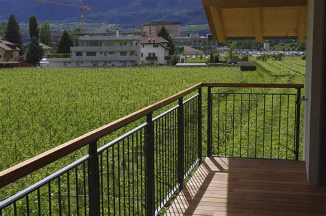 ringhiera in legno per giardino ringhiera in legno esterno