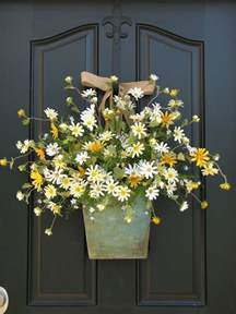 spring decorating ideas for your front door country cottage decor front door wreath daisies