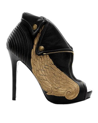 The Golden Accessories For This Fall by Accessories Golden Touch Black For Fall 2010