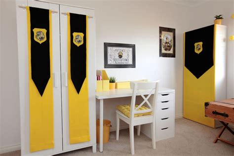 slytherin themed bedroom hufflepuff bedroom design ideas harry potter hogwarts