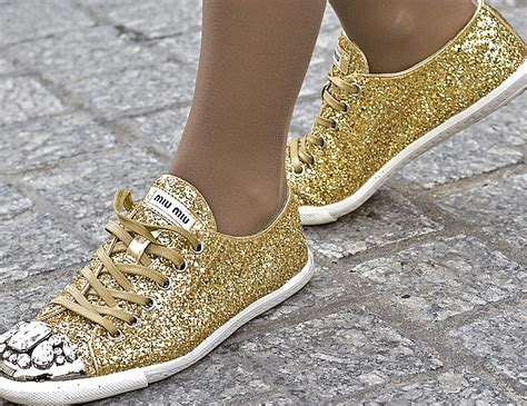 diy gold glitter shoes on the miu miu glitter rue honor 233
