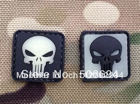 Patch Pacth Rubber Punisher Putih Patch Velcro square punisher morale patch with velcro back gow in the