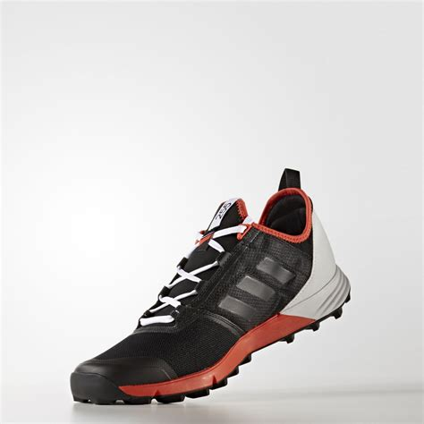 Adidas Sport Terrex Hitam Merah Sneaker Sporty adidas terrex agravic speed mens black trail running sports shoes trainers pumps ebay