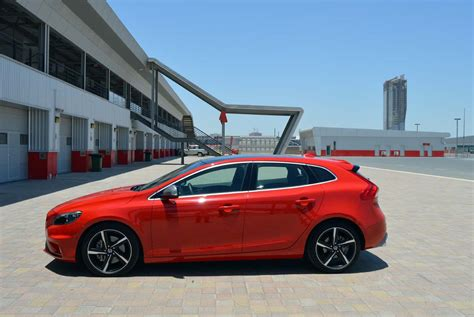 Volvo V40 Review Smooth Concoction Drivemeonline Com