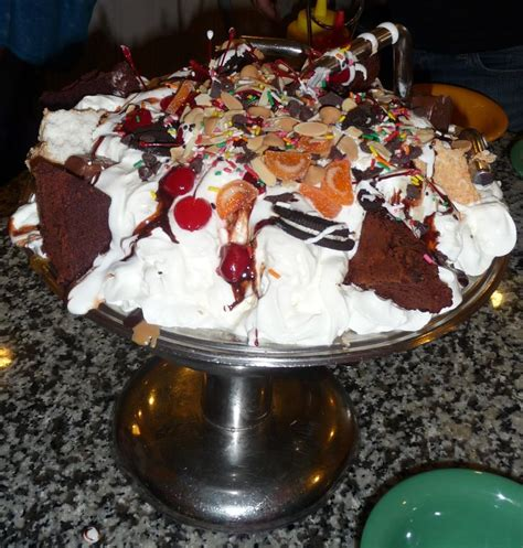 Disney Kitchen Sink Eat A Kitchen Sink Sundae Beaches And Walt Disney World Orlando Florida