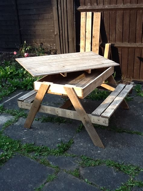 sandbox picnic table made from pallets build pinterest