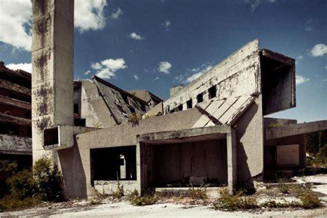 le si鑒e de sarajevo sarajevo ville olympique de 1984 urbex playground
