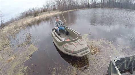 beavertail sneak boat reviews beavertail 1200 water test youtube