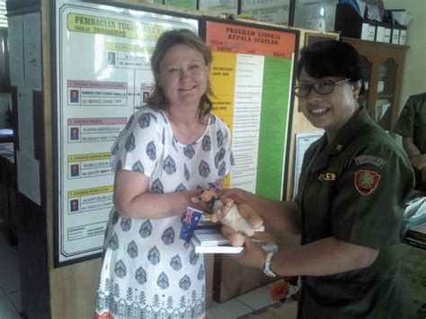Botol School australian teachers visit their partner schools