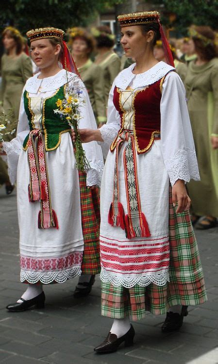 portugal ethnicity world wide traditional dresses