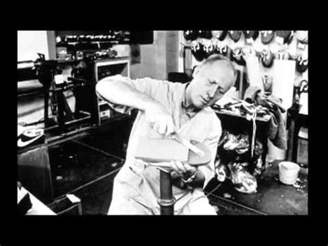 Mengajar Melatih Atletik biografi bill bowerman pendiri nike inc kaskus