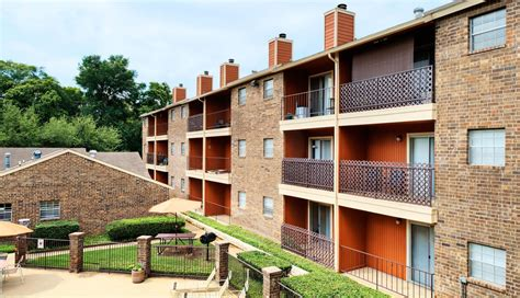 appartments in arlington arlington oaks apartments arlington tx
