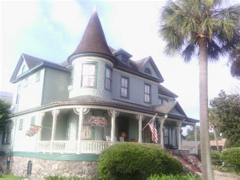 pensacola victorian bed and breakfast front view of pensacola victorian bed and breakfast