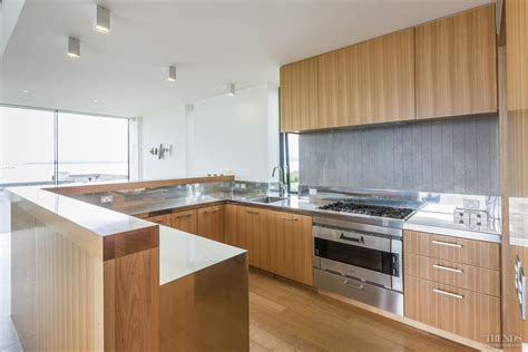 Kitchen Designs Tasmania Sleek Modern Kitchen With Tasmanian Oak Veneer And