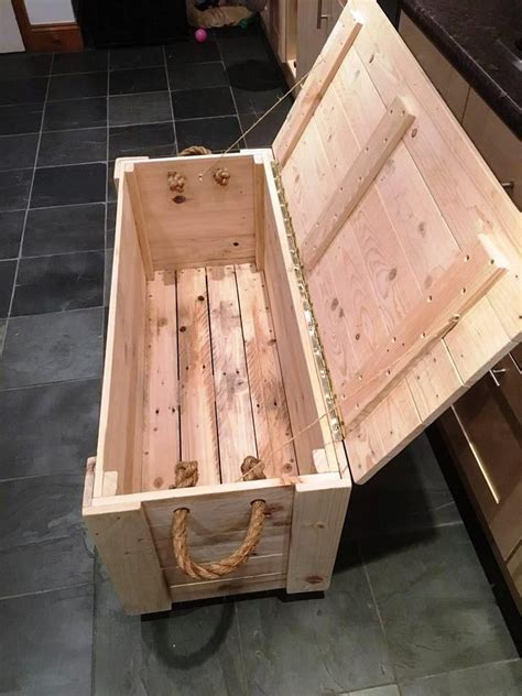 diy wood projects diy pallet chest from only pallets wood 101 pallet ideas