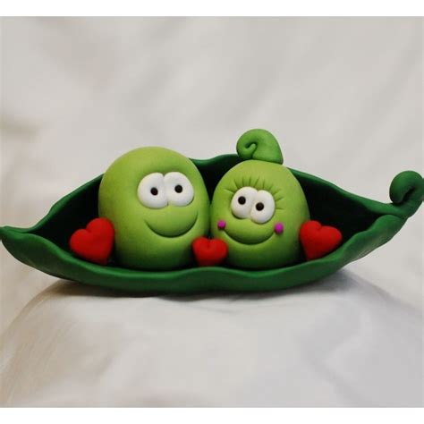 two peas in their pod 2 peas in a pod polymer clay pinterest