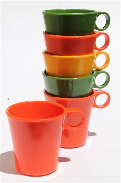 Vintage Deka Plastic Coffee Mugs, Ring Handle Cups In