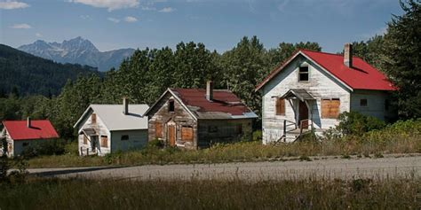 town for sale abandoned canadian mining town up for sale 2016