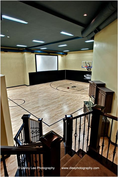 basement basketball court basketballhalle basketball and drinnen on pinterest