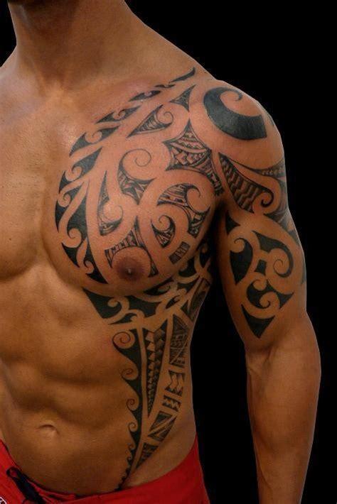 tatuaggi spalla e petto arte del corpo hawaii dermatology