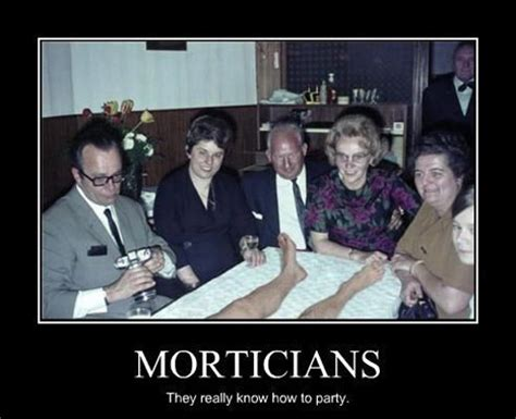 The Difference Between Funeral Director 36 Hilarious Mortician Humor Memes 187 Urns