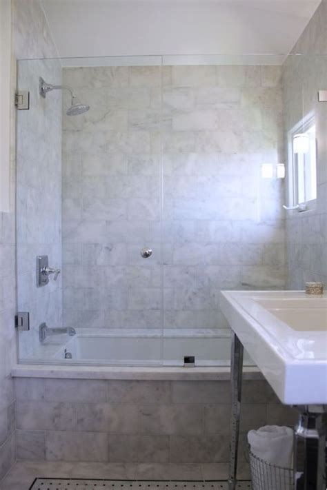 Tile Bathtub Shower Combo by 25 Best Ideas About Shower Tub On Bathtub