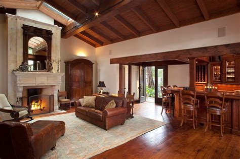 vaulted ceiling ideas living room 24 living rooms with vaulted ceilings
