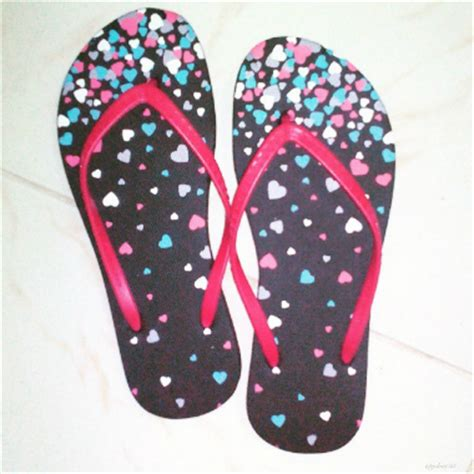 what is the meaning of slippers tsinelas o chinelas flipflops of the philippines