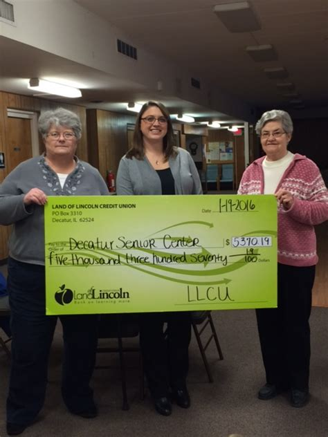 land of lincoln credit union decatur illinois decatur macon county senior center receives donation from