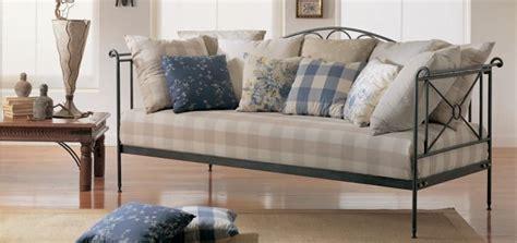 divanetti in ferro battuto divano letto in ferro battuto per appartamenti idfdesign
