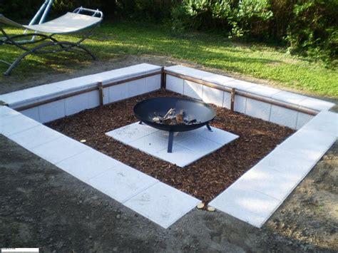 Feuerstelle Im Garten Gestalten Kunstrasen Garten