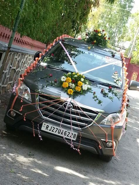 wedding car decoration   Flower N Petals