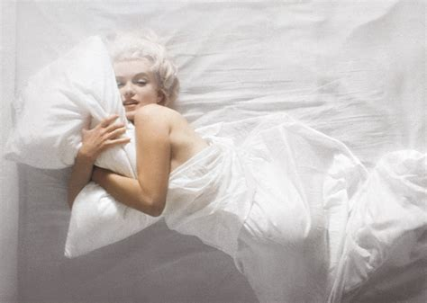 marilyn monroe in bed chatter busy marilyn monroe life quotes