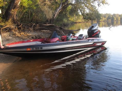 stratos bass boat gas tank stratos 286 pro xl 18 6 1993 for sale for 9 700 boats