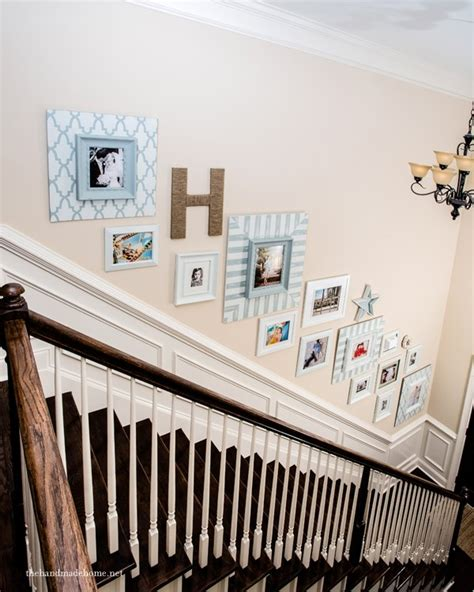 How To Decorate A Staircase Staircase Picture Gallery How To Decorate A Wall