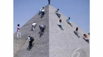 Patung Sepasang Pengantin China miniatur bangunan unik dunia kumpul di china 1001 keajaiban dunia