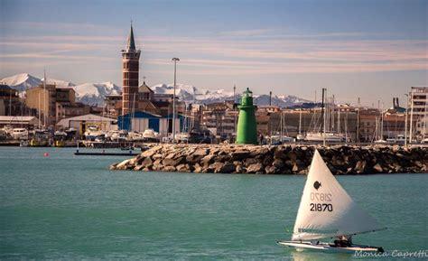 porto civitanova marche la foto giorno di capretti scattata dal porto