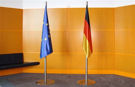 design management berlin fahnenmasten 183 reichstagsgeb 228 ude 183 deutscher bundestag