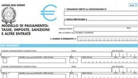 Pagare F24 In Banca by Come Compilare Un F23 Cosa Fare Per Versarlo E
