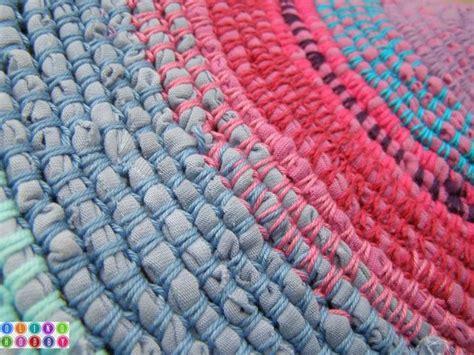 teppich aus stoffresten 220 ber 1 000 ideen zu geh 228 kelte teppiche auf
