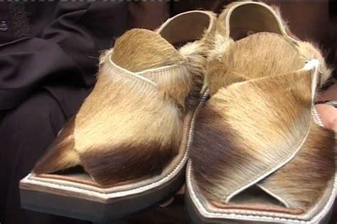 pakistani shoemaker designs special peshawari chappal