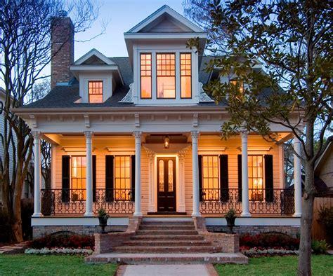 haus braun brown house black shutters exterior farmhouse with window