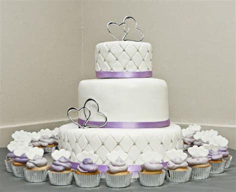 Hochzeitstorte In Lila by 35 Beispiele F 252 R Hochzeitstorte In Lila Archzine Net