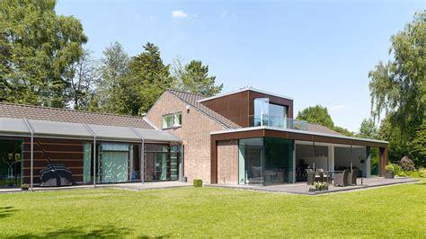 moderner anbau an altes haus anbau und sanierung eines einfamilienhauses in hannover