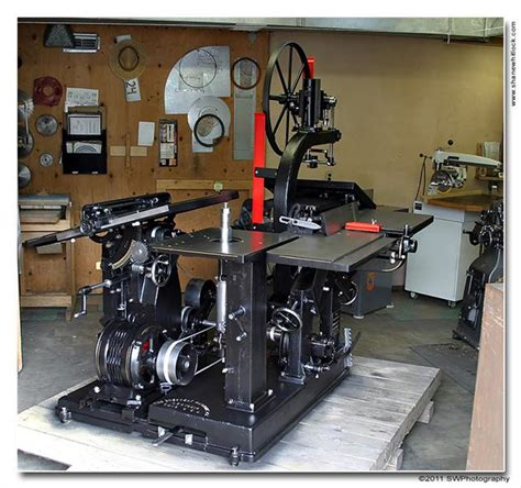 photo index crescent machine  universal wood worker