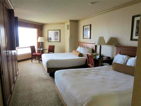 harrahs room room 1748 carnival tower note dip in beds picture of harrah s las vegas las vegas tripadvisor