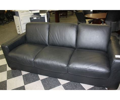 natuzzi black leather sofa natuzzi black leather 3 seat sofa bed able auctions