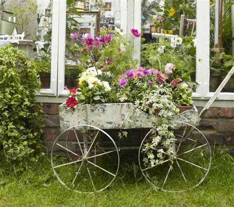 Cottage Garden Decor Vintage Furniture And Garden Decor 12 Charming Backyard Ideas
