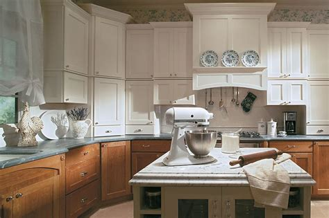 Yorktowne Kitchen Cabinets 17 Best Images About Home Decor Kitchen Ideas On Shaker Cabinets Small Desk Areas