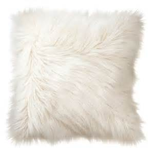 White Fluffy Cushion Covers 25 Best Ideas About White Throw Pillows On